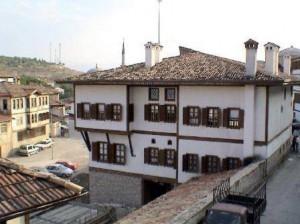 www_yeniresim_com_-_Trkiye_Resimleri_-_Karabk_-_Safranbolu_Evleri